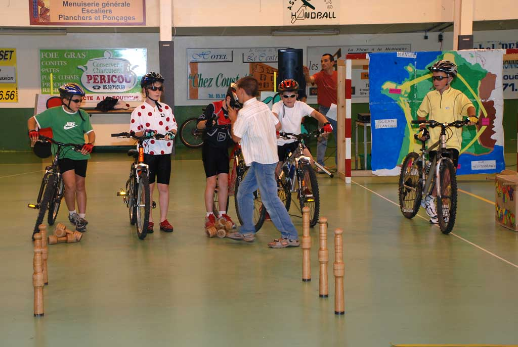 http://www.asson.fr/actualites/2008/0806/0806-ecole-1.jpg